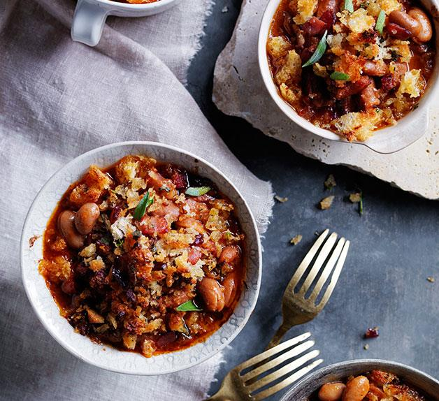 Smoky baked beans with bacon crumbs