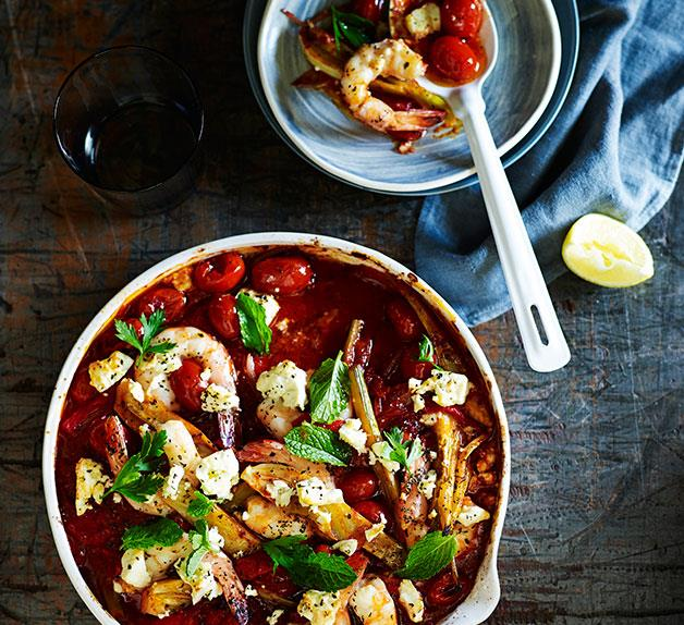 Tomato-baked prawns and feta