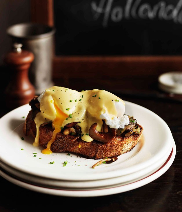 **Mushrooms on toast with poached eggs and hollandaise**