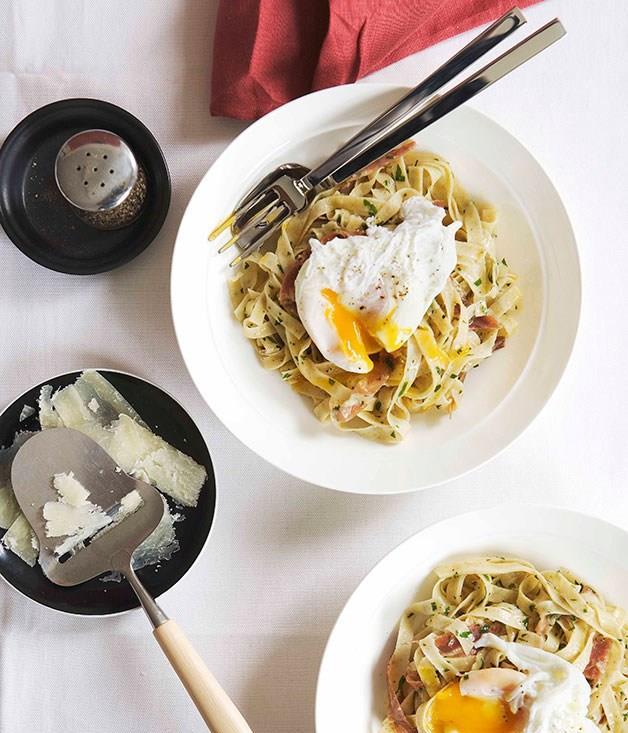 """**[Toasted flour fettuccine """"carbonara""""](https://www.gourmettraveller.com.au/recipes/chefs-recipes/toasted-flour-fettuccine-carbonara-8943)**"""