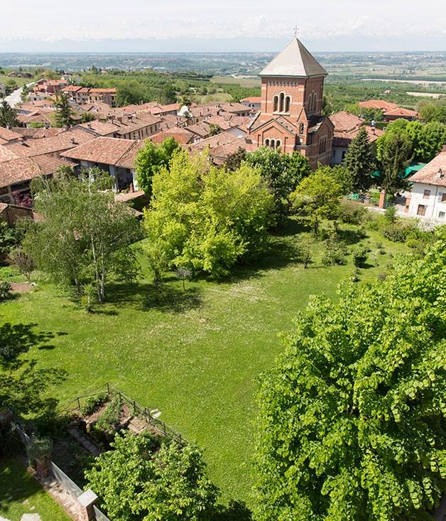 Albergo Real Castello gardens and village of Verduno
