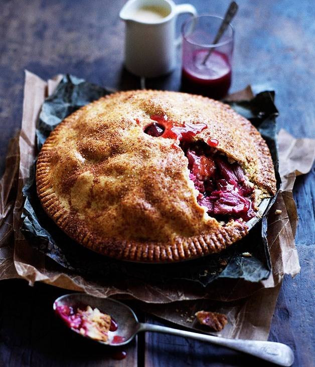 **Rhubarb and apple pie with warm cinnamon custard**