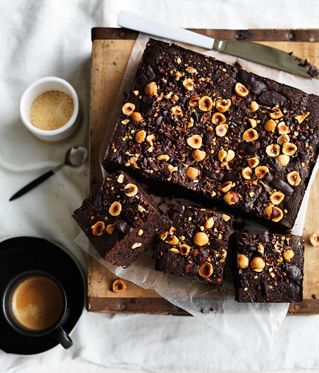 **Spiced hazelnut-cacao brownie**