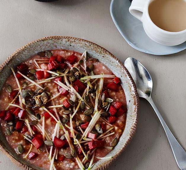 Five-grain porridge with rhubarb and apple