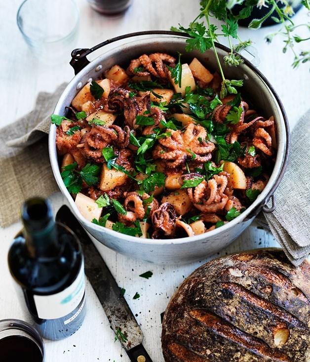 **Baby octopus, tomato and potato stew**