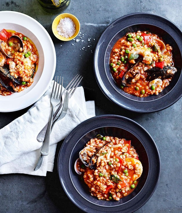 "**[Orzo alla marinara (seafood and barley stew)](https://www.gourmettraveller.com.au/recipes/chefs-recipes/orzo-alla-marinara-seafood-and-barley-stew-7729|target=""_blank"")**"