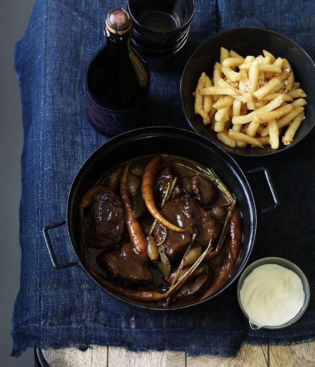 **Veal kokkinisto with yoghurt and French fries**
