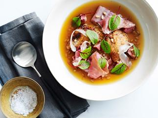 Ham, smoked eel and chicken wing soup