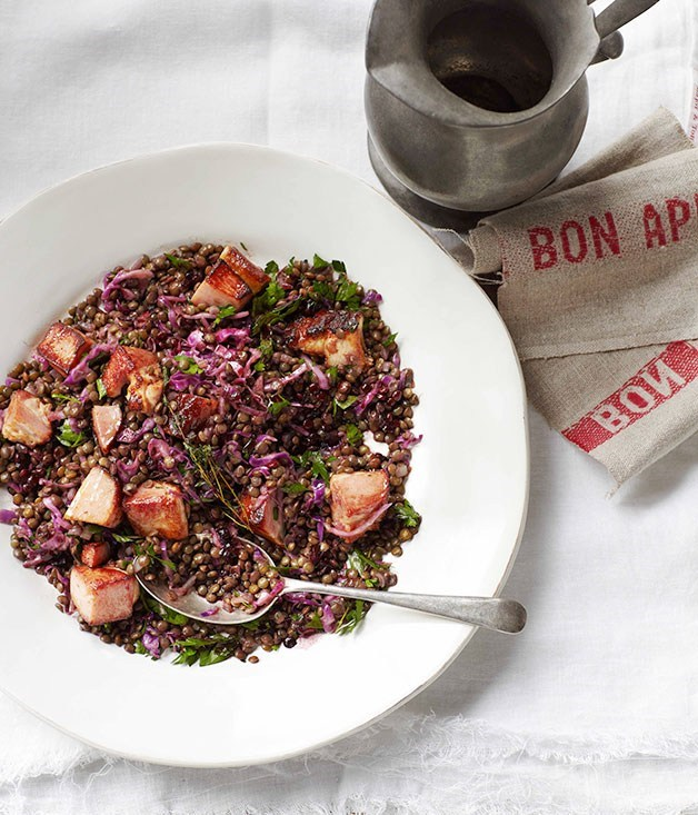 **Lentils with speck and cabbage**
