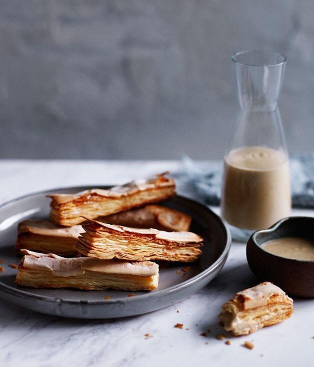 Allumettes with café au lait anglaise