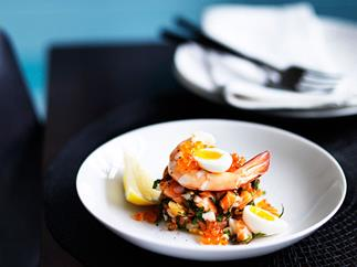Salmon tartare with prawns
