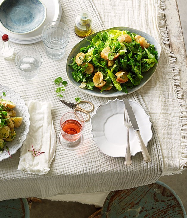 **Salade verte with garlic croutons**