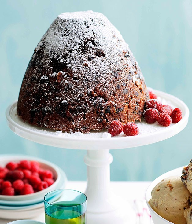 **Rich Christmas pudding with muscat custard**