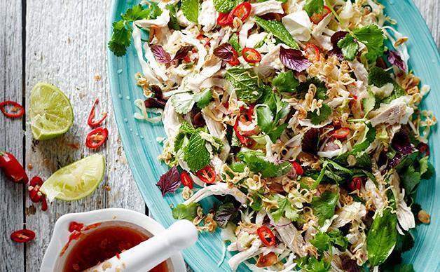 Chicken and jellyfish salad