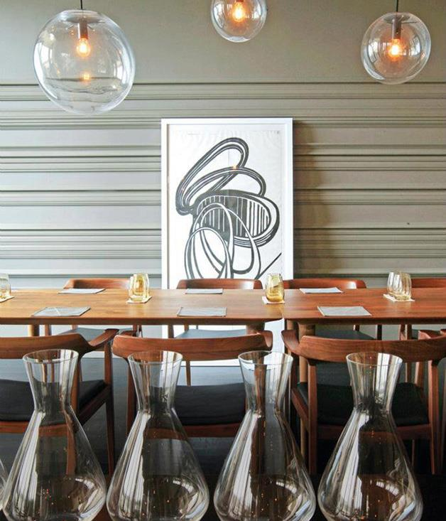 """[**Esquire**](https://www.gourmettraveller.com.au/dining-out/restaurant-reviews/esquire-6786
