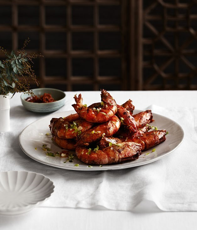 **Twice-cooked king prawns with soy sauce**