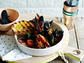 Barbecued mussels with chorizo and toast