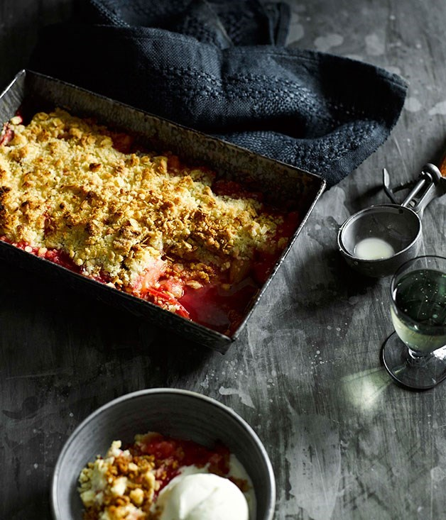 "[**Rhubarb crumble**](https://www.gourmettraveller.com.au/recipes/fast-recipes/rhubarb-crumble-13371|target=""_blank"")"