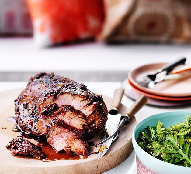 Ginger-glazed barbecued pork neck with chrysanthemum salad