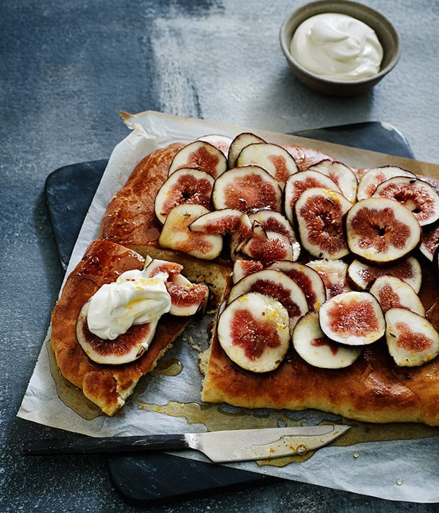 Caramelised fig brioche with lavender honey