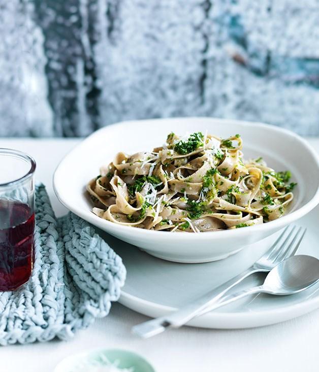 "[**Fettuccine with kale and pecorino pesto**](https://www.gourmettraveller.com.au/recipes/fast-recipes/fettuccine-with-kale-and-pecorino-pesto-13582 target=""_blank"")"