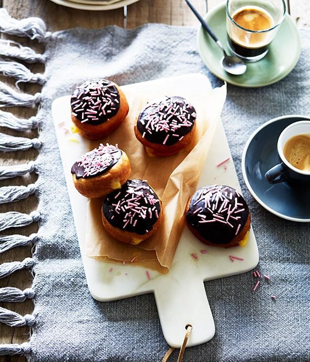 Rose cream doughnuts