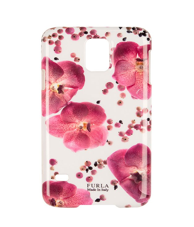 "**Furla Floral Phone Case** Give mum's phone an instant fashion upgrade with this graphic flower-print case from [Furla](http://www.furla.com/ ""Furla""). _$28_"