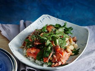Salmon salad with hot and sour dressing