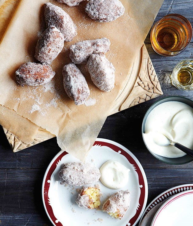 **Rice fritters with vanilla cream**