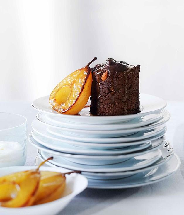 **Pear and almond mud cakes**