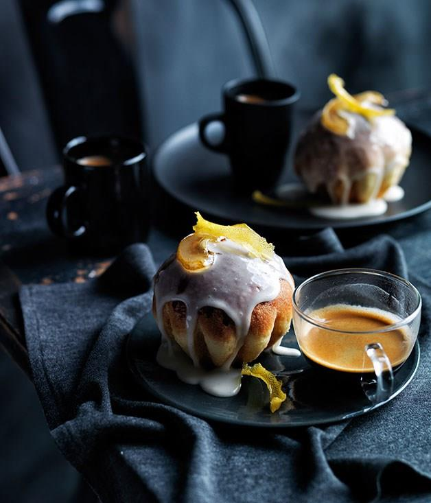 **Glazed pear and sour cream buns**