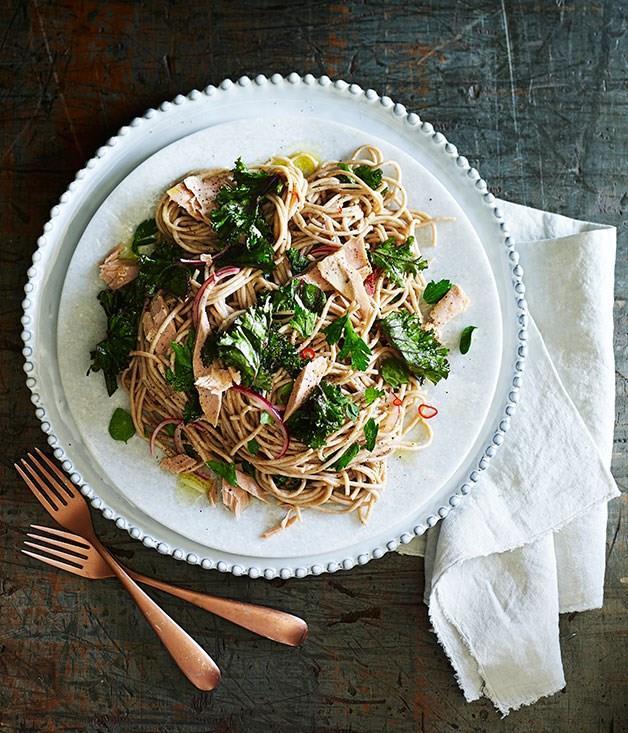 **Kale, lemon and tuna spaghetti**