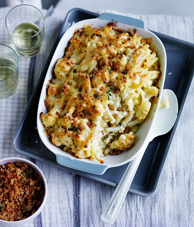 "**[Cauliflower mac and cheese](http://www.gourmettraveller.com.au/recipes/fast-recipes/cauliflower-mac-and-cheese-13599|target=""_blank"")**"
