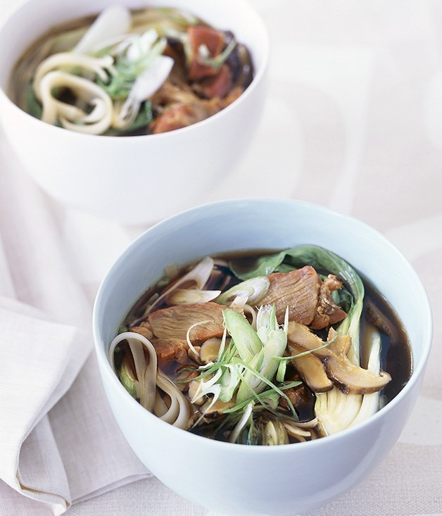 **Barbecued pork and rice stick noodle soup**