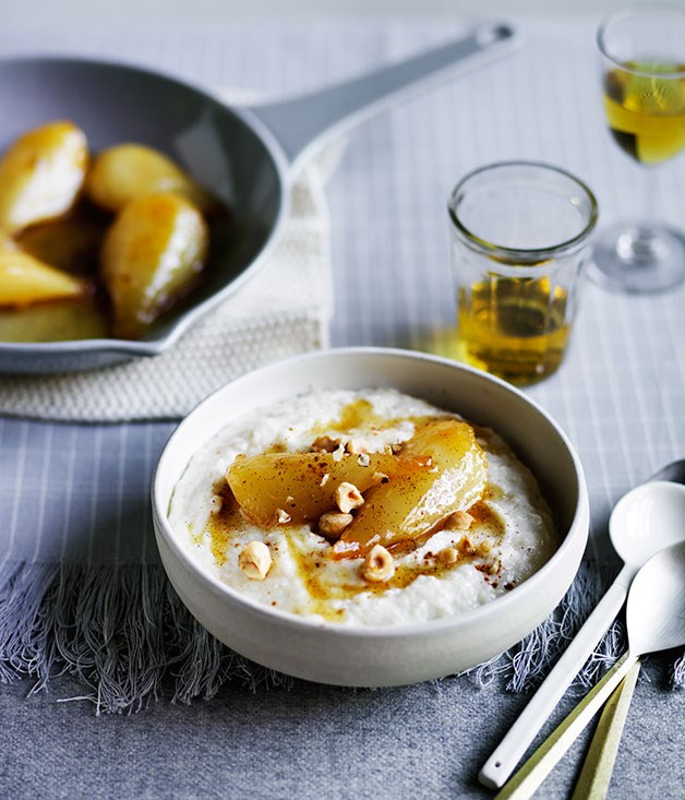 Semolina pudding with caramel pears