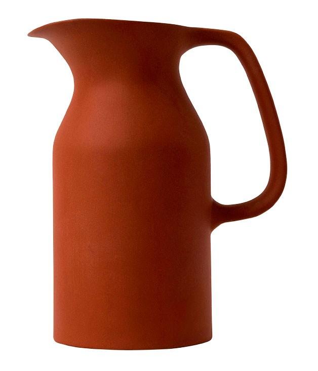 """**""""Olio"""" jug** Barber & Osgerby """"Olio"""" jug, $79.95, from [Royal Doulton](http://www.wwrd.com.au """"WWRD"""")."""