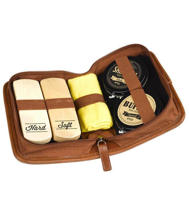**GENTLEMEN'S HARDWARE BUFF & SHINE SHOE POLISH KIT** No one can fill Dad's shoes. But they best be shiny, right? [Gentlemen's Hardware](http://www.gallantoro.com) shoe polish kit. $30