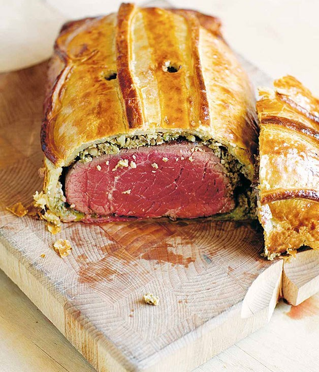 **[Filet de boeuf rôti en croûte de champignons](https://www.gourmettraveller.com.au/recipes/chefs-recipes/stephane-reynaud-filet-de-boeuf-roti-en-croute-de-champignons-roast-fillet-of-beef-with-mushrooms-en-croute-7568)**