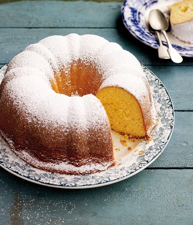 **Yoghurt cake with lemon**