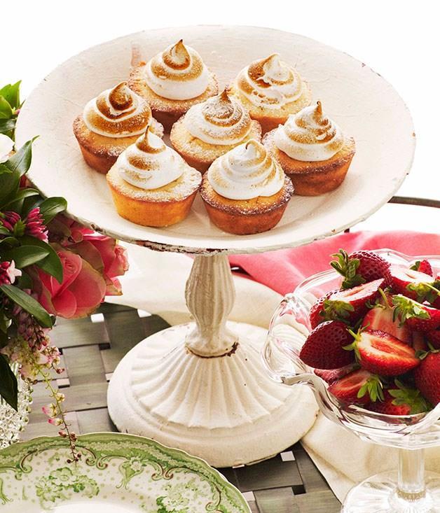 **Little lime meringue cakes**