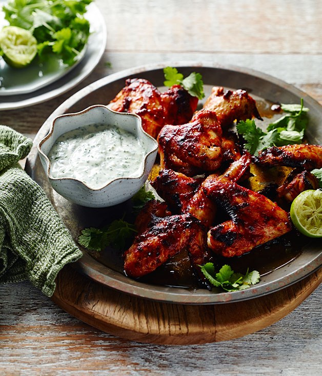 Chipotle chicken wings with dipping sauce