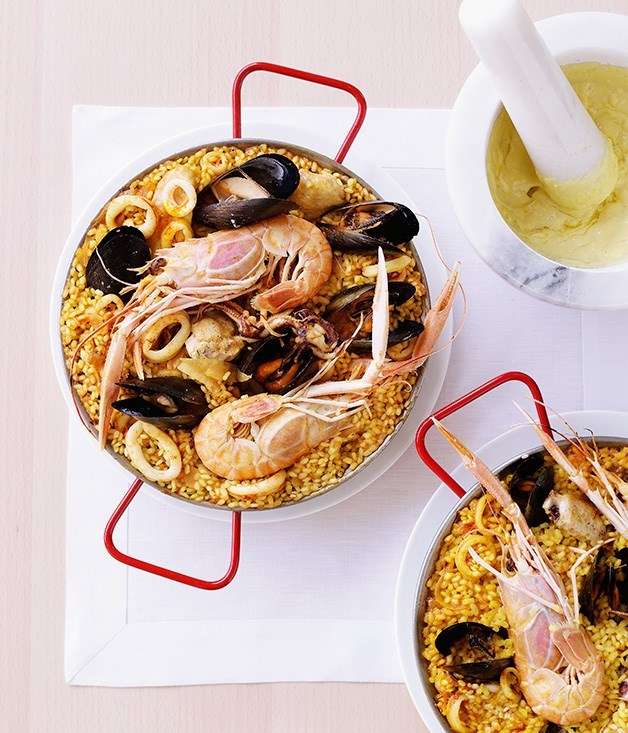 "[**Seafood paella with alioli**](https://www.gourmettraveller.com.au/recipes/browse-all/seafood-paella-with-alioli-9933|target=""_blank"")"