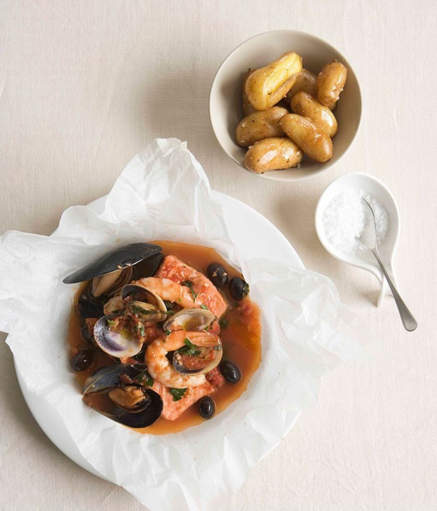 "[**Seafood 'cartoccio'**](https://www.gourmettraveller.com.au/recipes/fast-recipes/seafood-cartoccio-12995|target=""_blank"")"