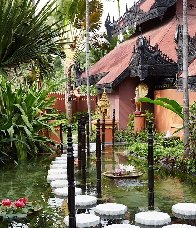 **** Mandalay Hill Resort spa