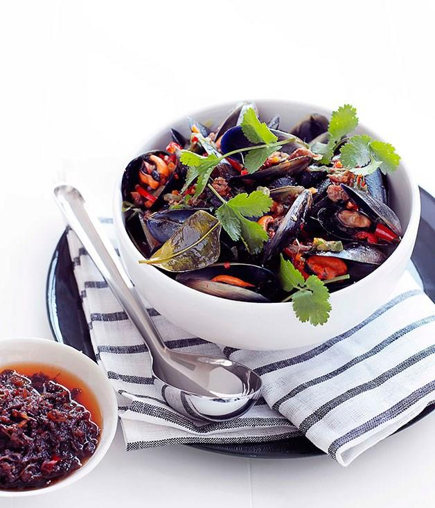 **Steamed mussels with XO sauce**