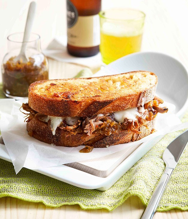 **Toasted lamb sandwich with Fontina and green tomato relish**