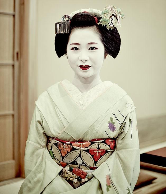 **** Tanefumi, a maiko of House Toshi.