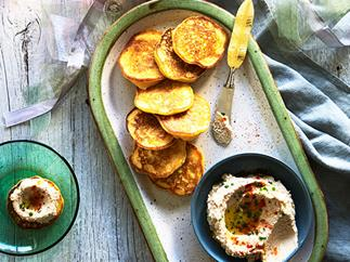 Carolina rice cakes with boiled-peanut hummus