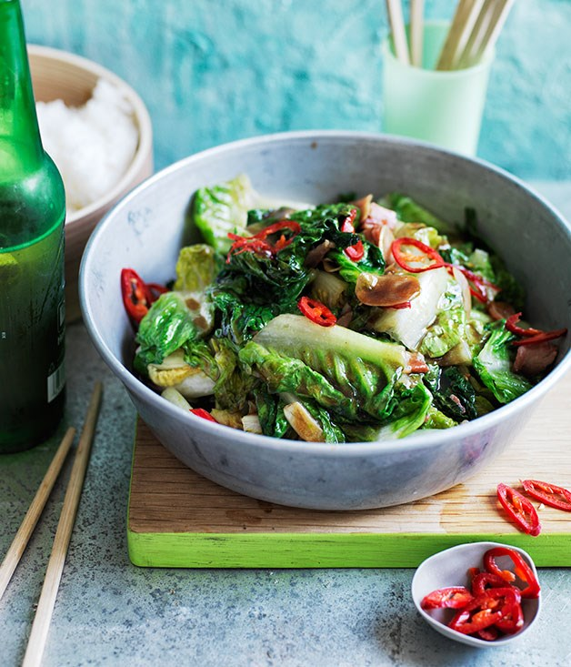 Stir-fried lettuce with bacon