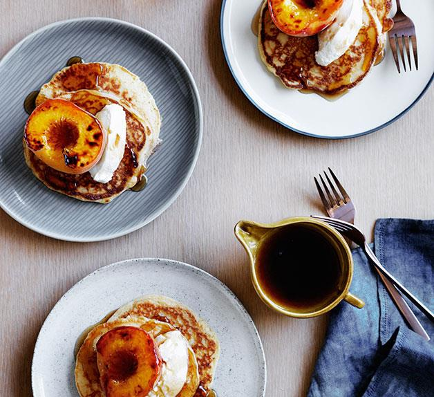 Pancakes with quark and peaches